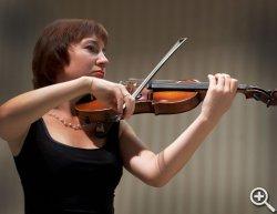 Лариса Кузьминова (скрипки)